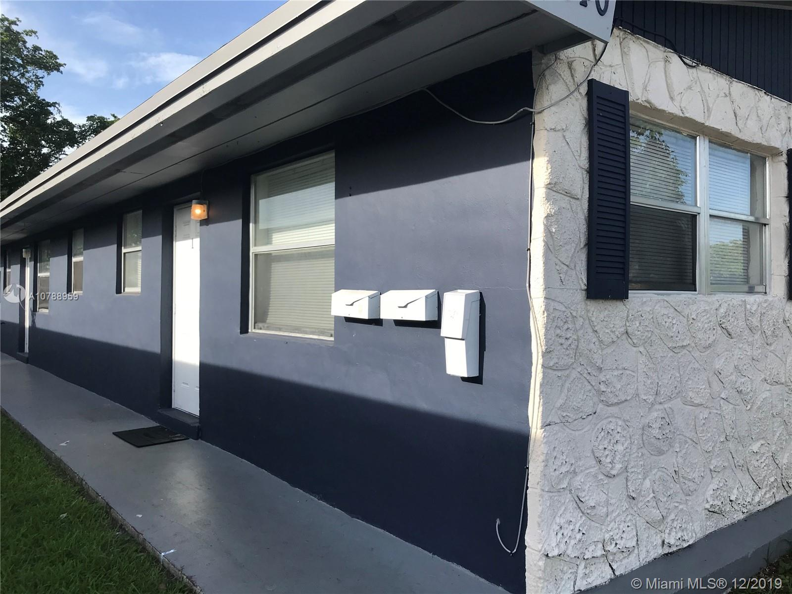 840 SW 10th St  For Sale A10788959, FL
