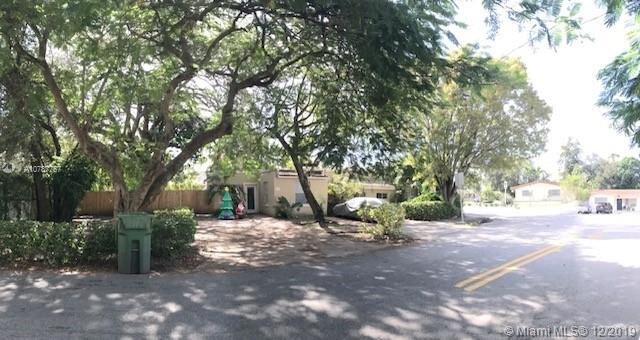 2301 SW 17th Ave  For Sale A10787757, FL