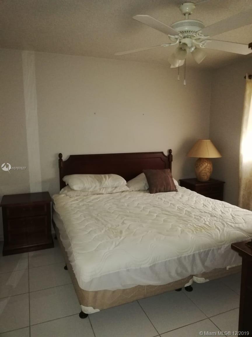 2145  Pierce St #426 For Sale A10787627, FL