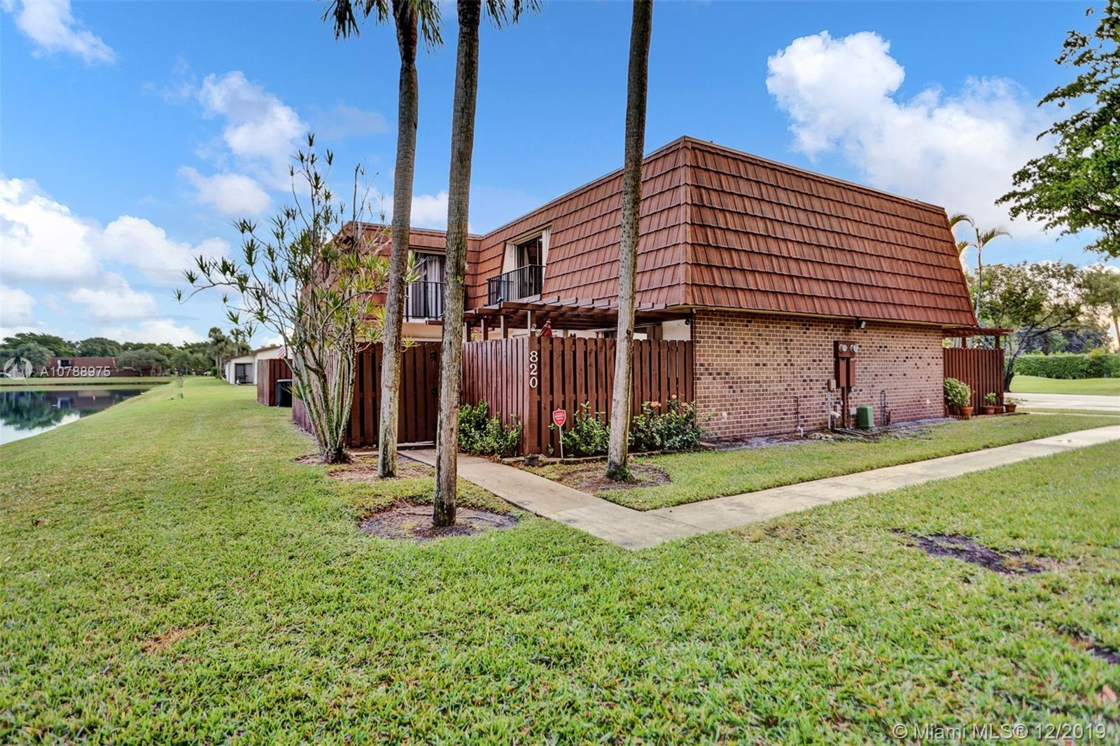 820 SW 120th Way  For Sale A10788975, FL