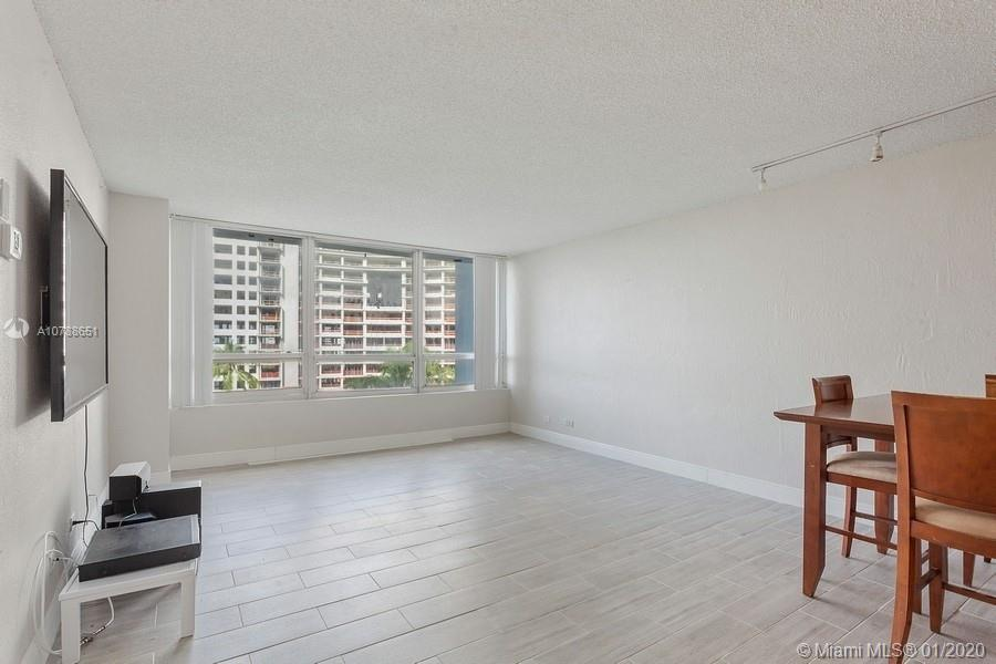 1500  Bay Rd #558S For Sale A10788651, FL