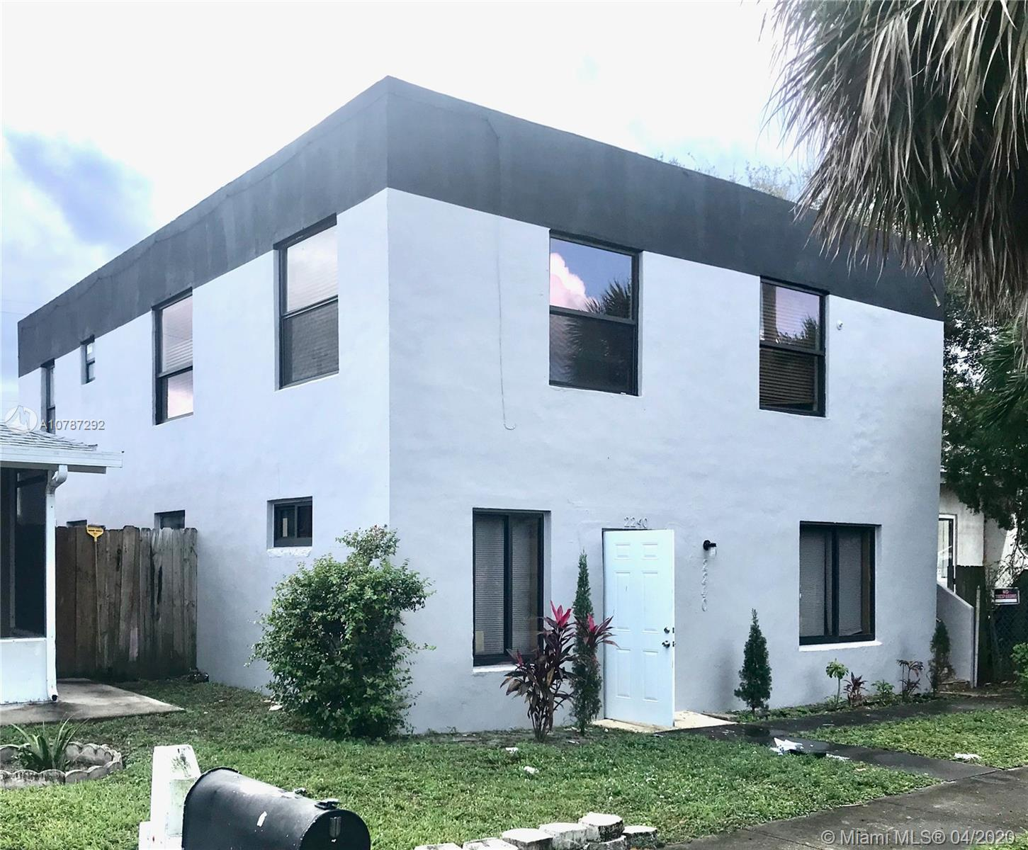 2240  Simms St  For Sale A10787292, FL