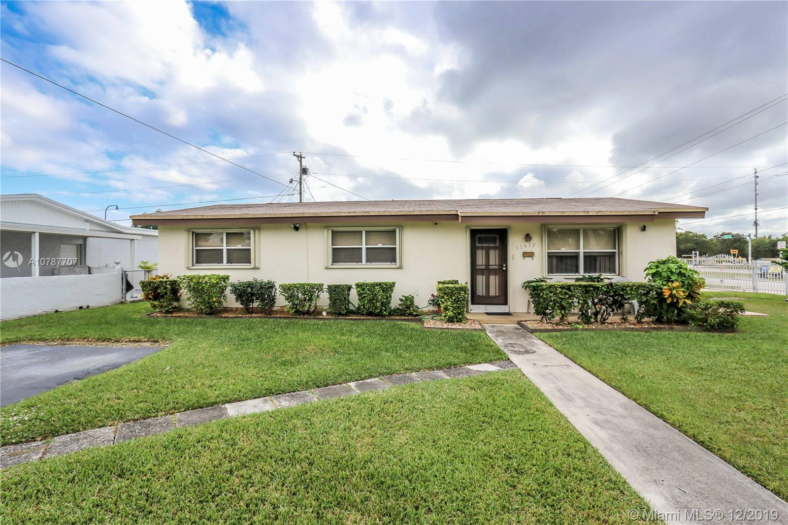 11630  Pinkston Dr  For Sale A10787707, FL