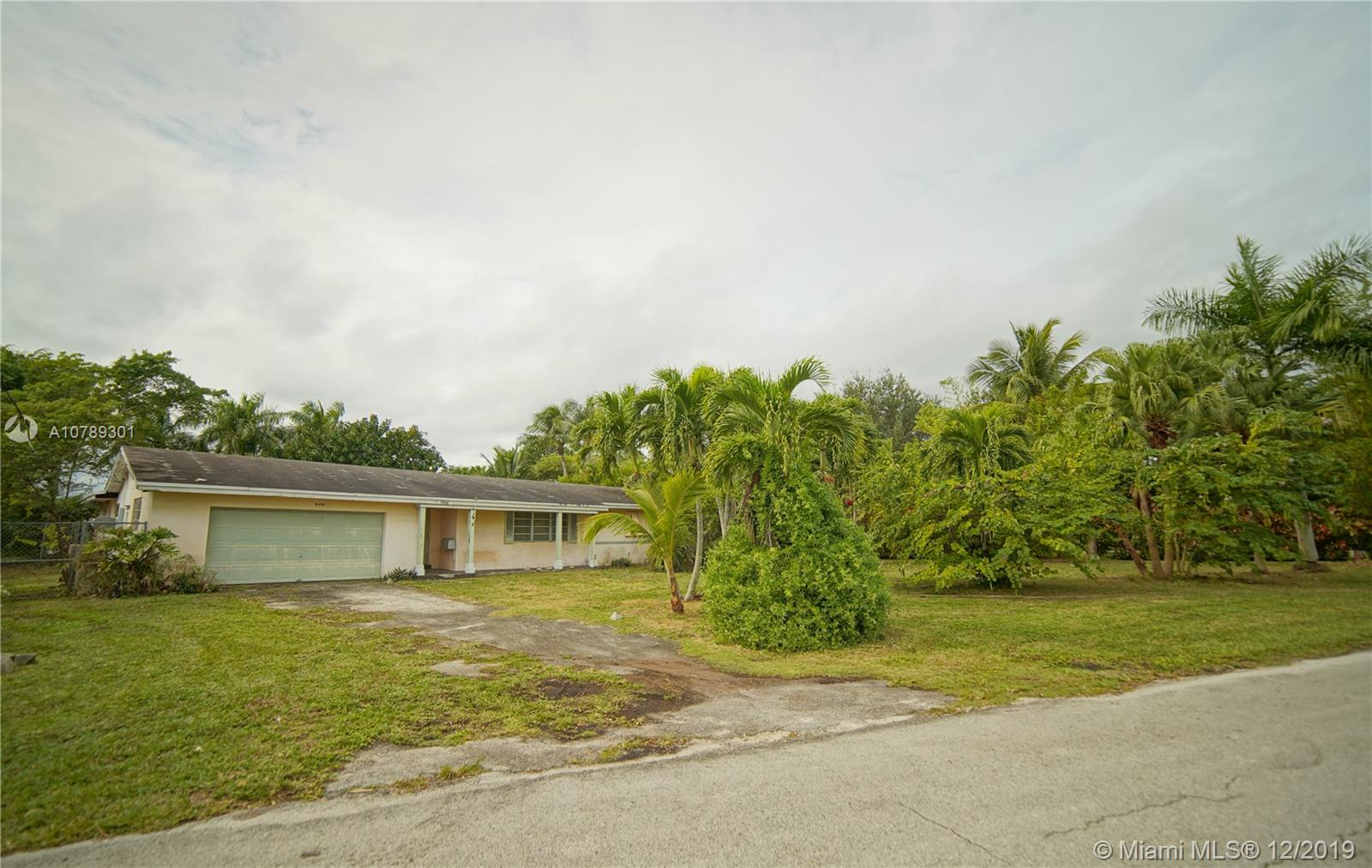 10450 SW 84th Ave  For Sale A10789301, FL
