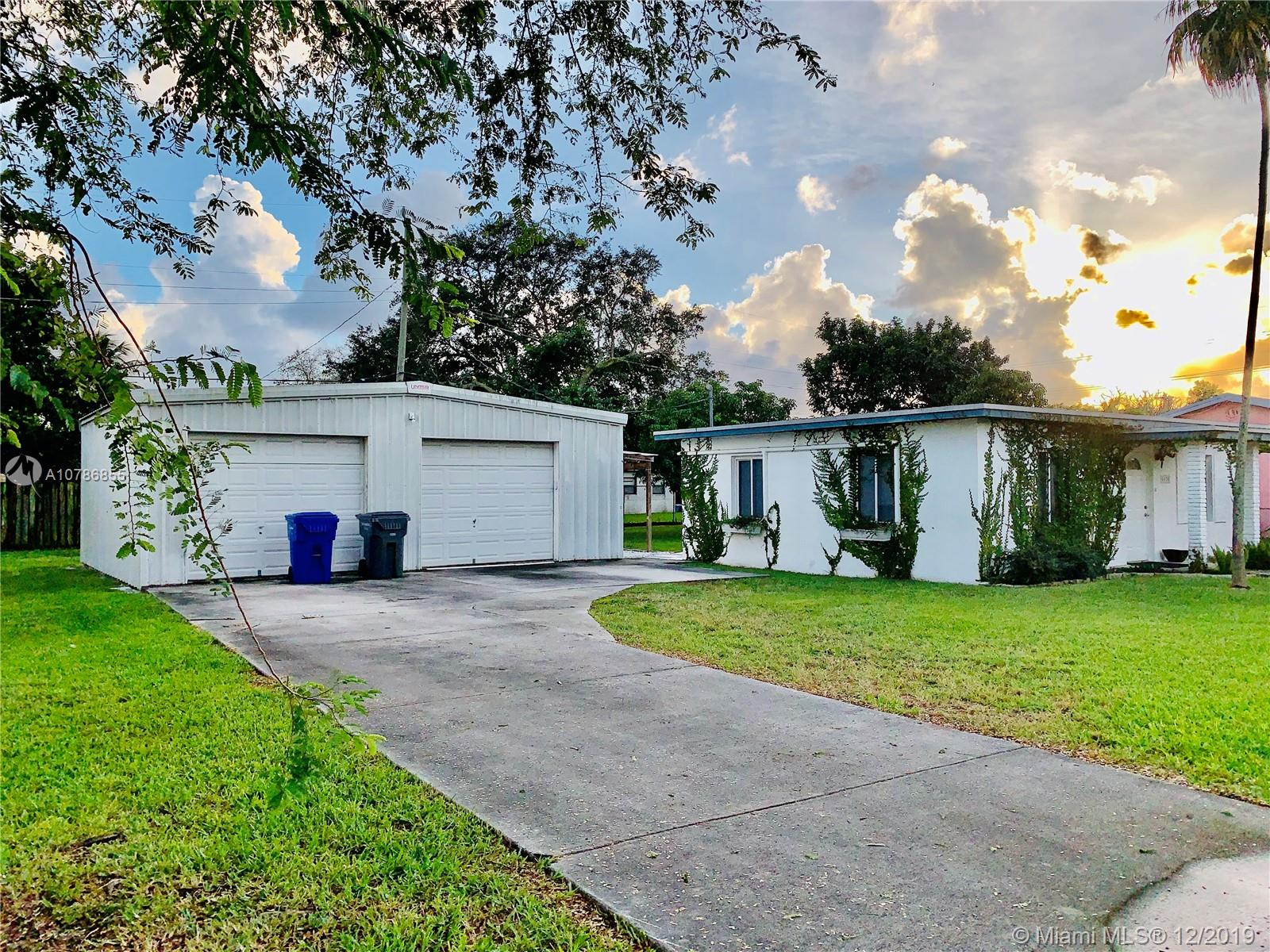 6370  Rodman St  For Sale A10786855, FL