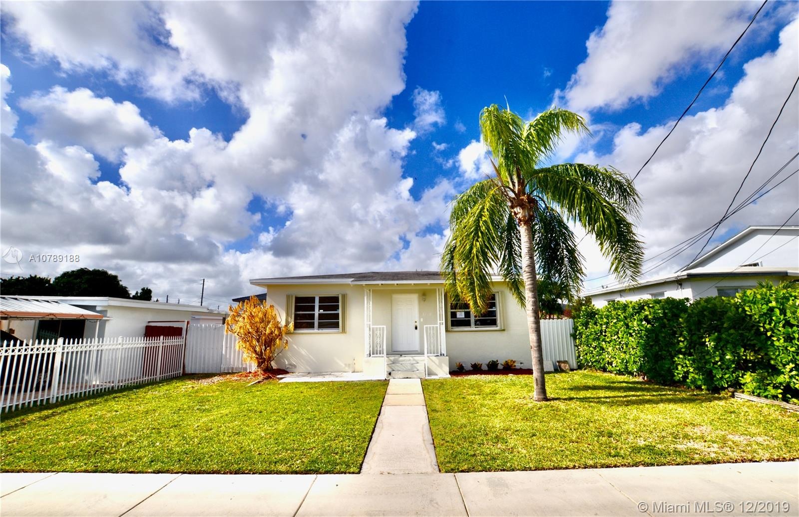 3710 SW 88th Ct  For Sale A10789188, FL
