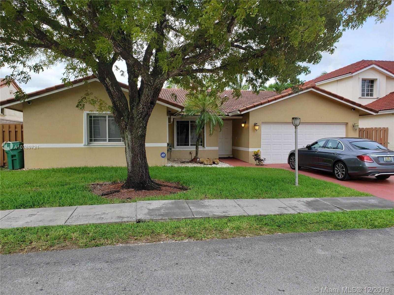15967 SW 110th St, Miami FL 33196