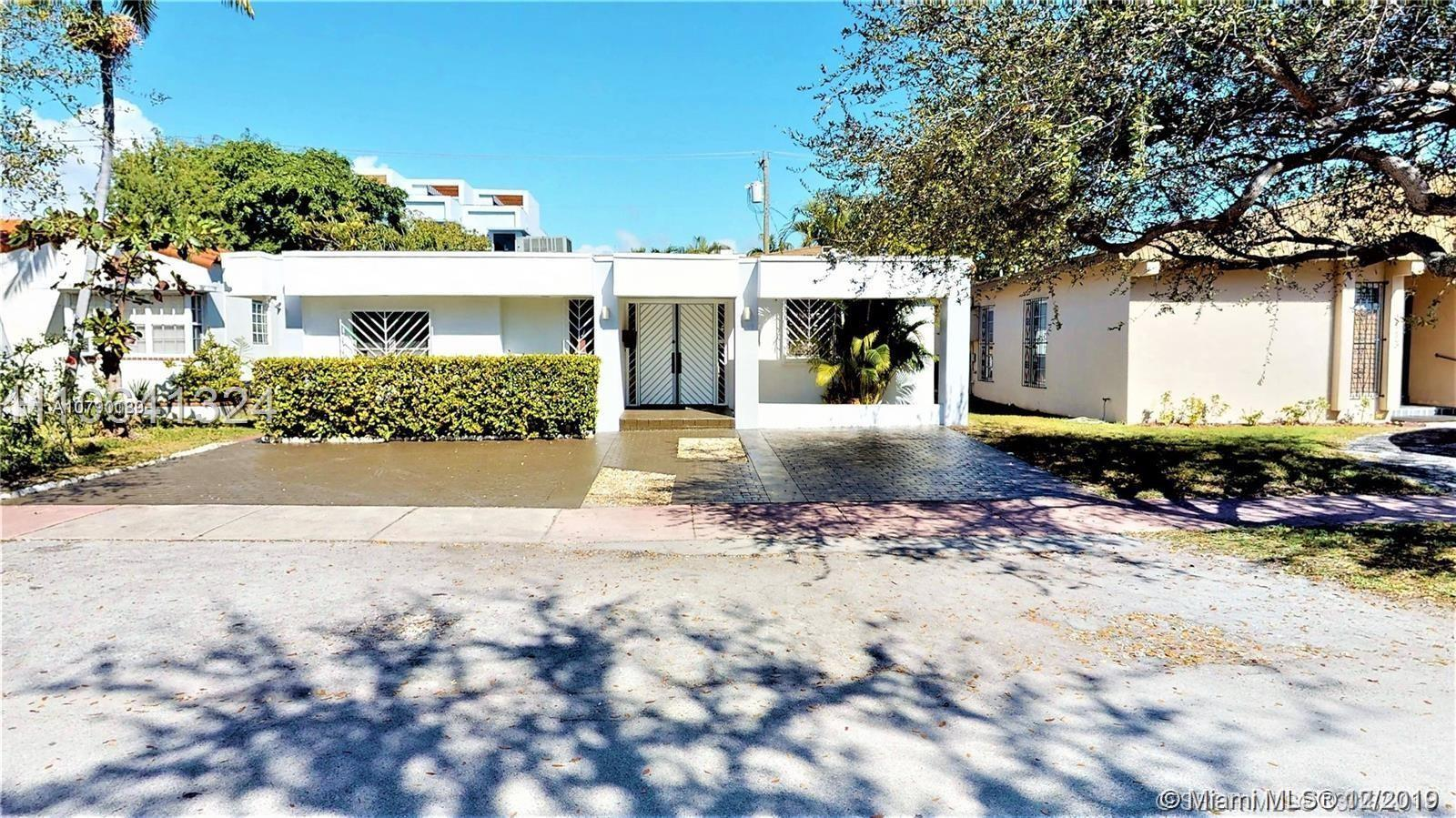 1119  Biarritz Dr  For Sale A10790189, FL
