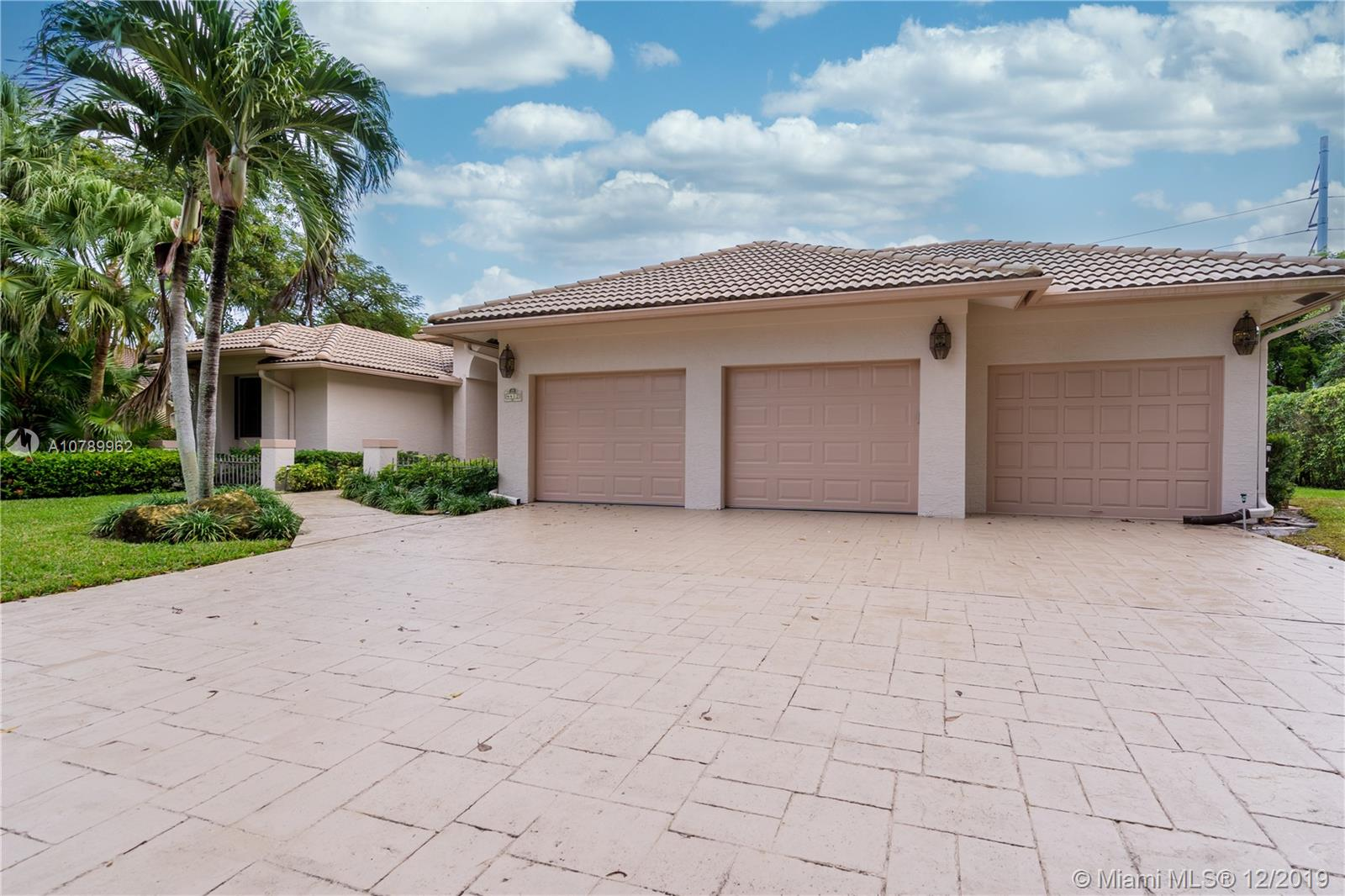 4412 Woodfield Blvd, Boca Raton, FL 33434