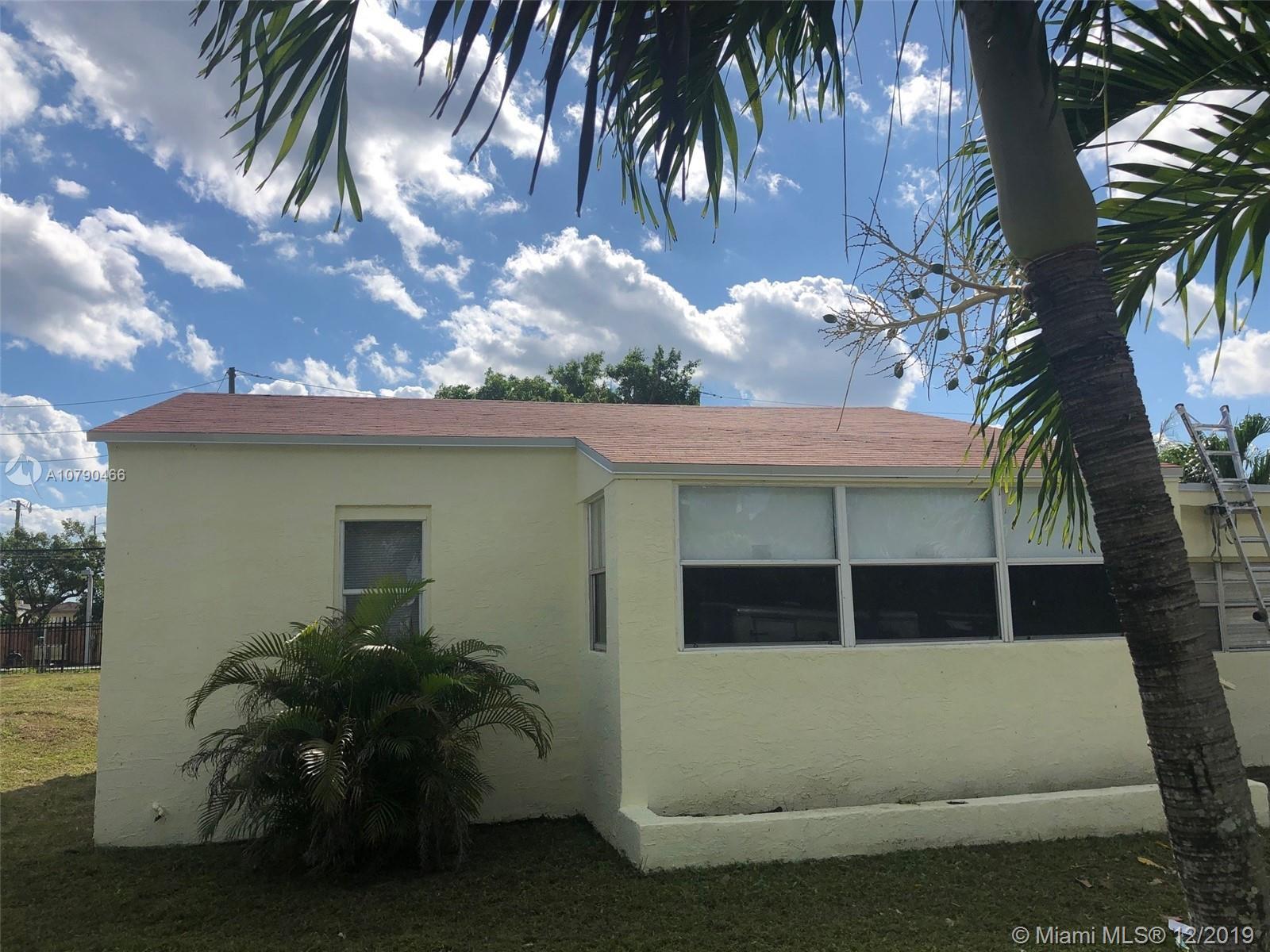 2118  Harding St  For Sale A10790466, FL
