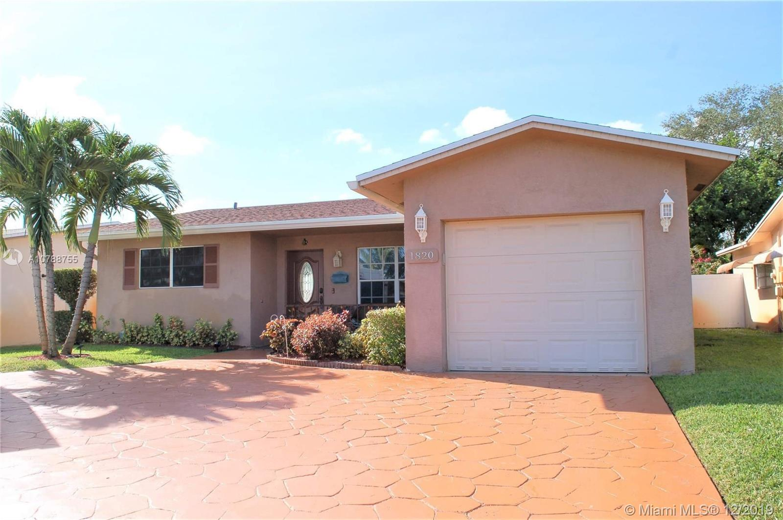 1820 N 55th Ave  For Sale A10788755, FL
