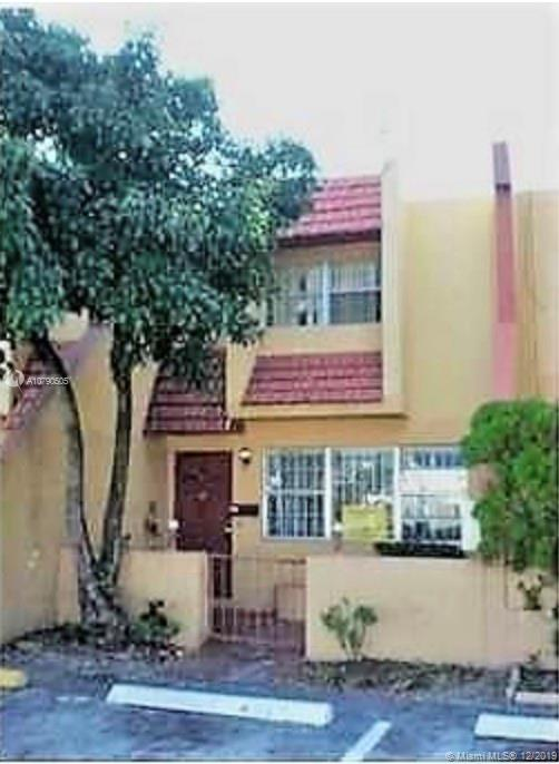 Great 2 BED 2 BATH TOWNHOUSE - TENANT OCCUPIED – MONTHLY RENT $1000. GREAT FOR INVESTORS.