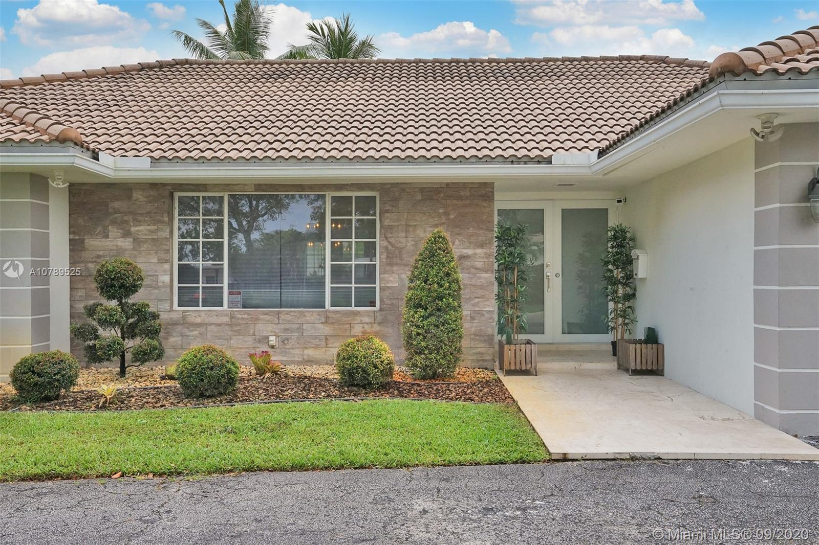 4974  Sarazen Dr  For Sale A10789525, FL