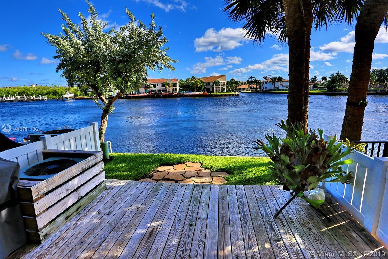 882  Jeffery St  For Sale A10791136, FL
