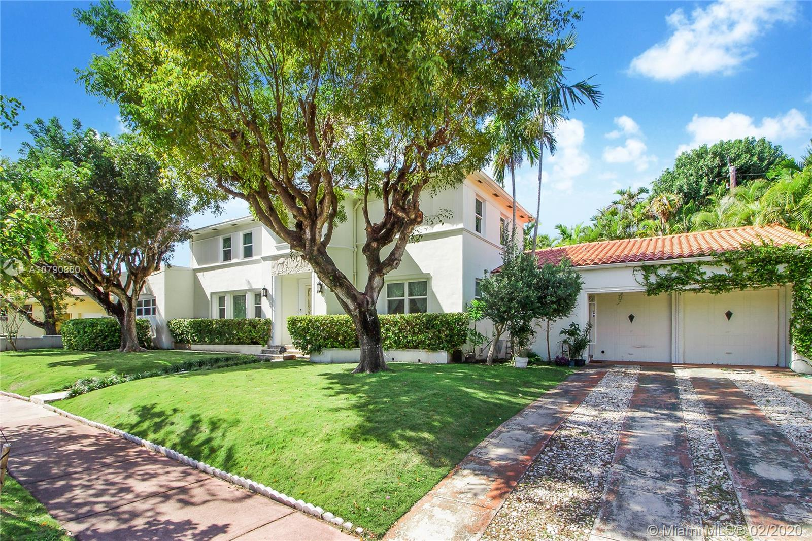 2922  Flamingo Dr  For Sale A10790860, FL
