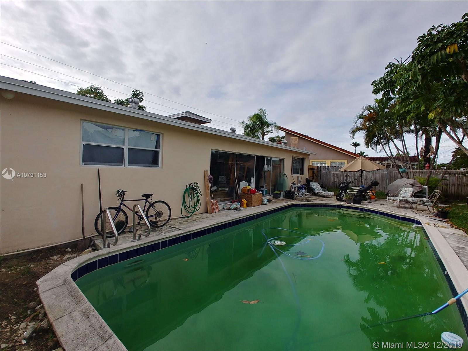 1315  Garfield St  For Sale A10791153, FL