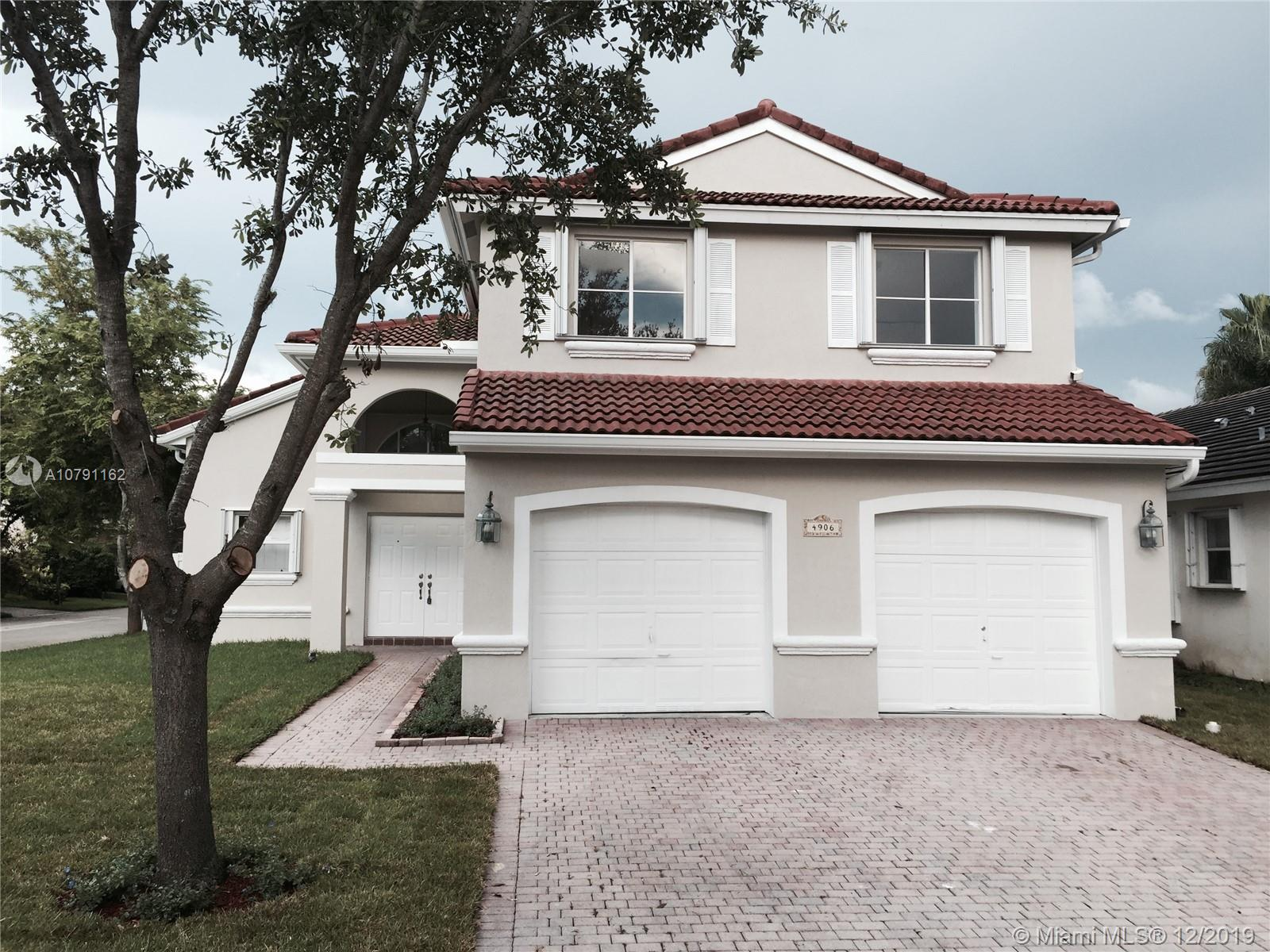 4906  sw 33 terr  For Sale A10791162, FL