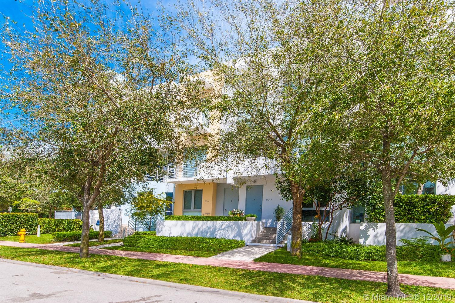 193 N Shore Dr #193-3 For Sale A10789500, FL