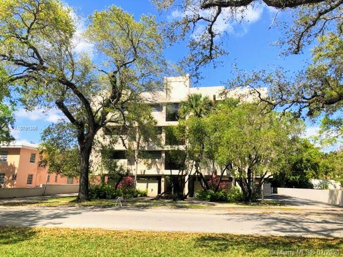 525  Coral Way #402 For Sale A10791386, FL