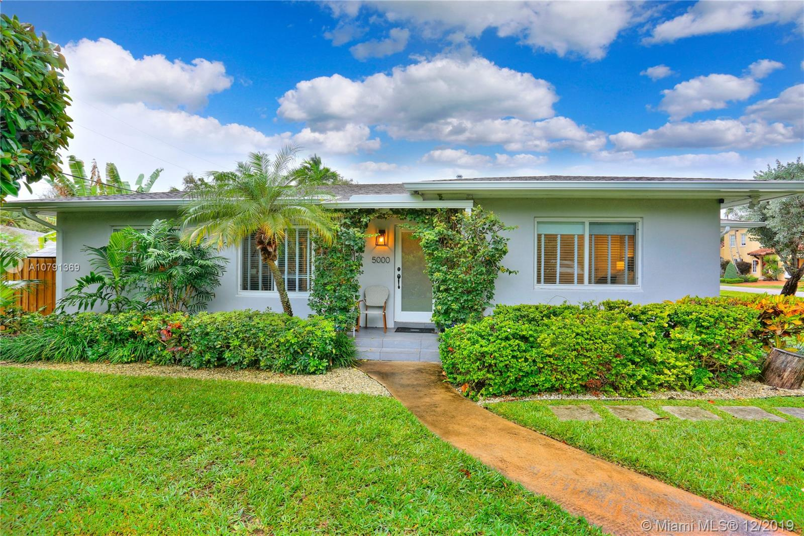 5000 SW 57th Ave  For Sale A10791369, FL