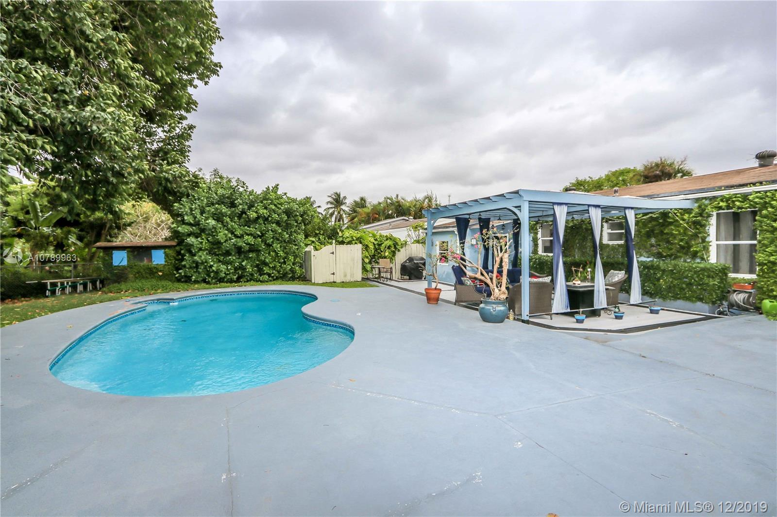 6600 SW 41st St  For Sale A10789963, FL