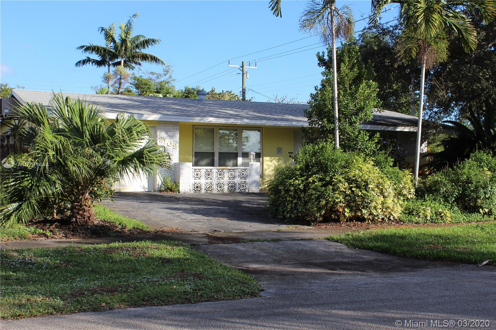 2109 N 48th Ave  For Sale A10791444, FL