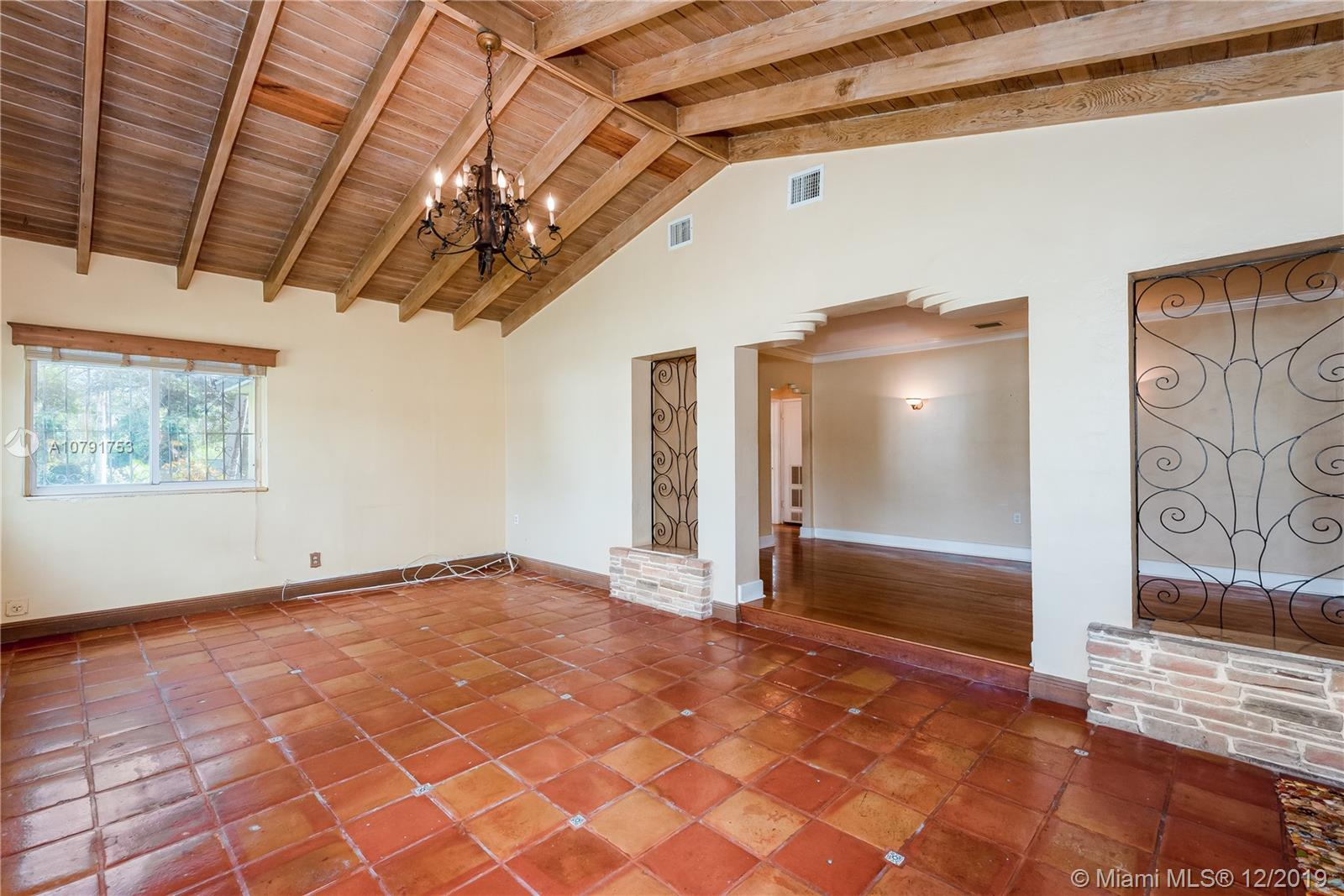 3600 SW 19th St  For Sale A10791753, FL