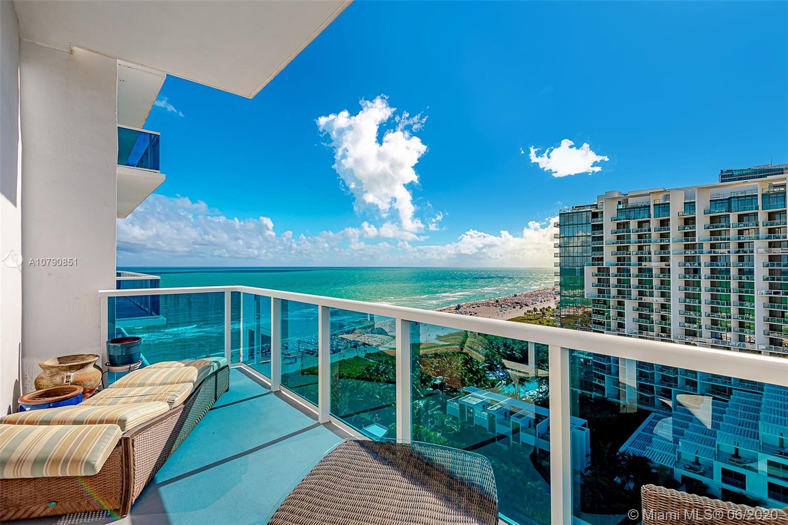 2301  Collins Ave #1606 For Sale A10790851, FL