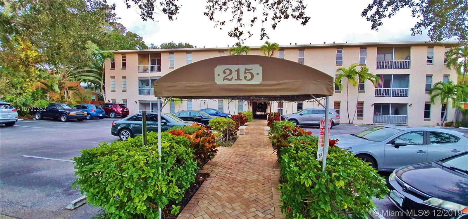 215 NE 16th Ave #303 For Sale A10790352, FL