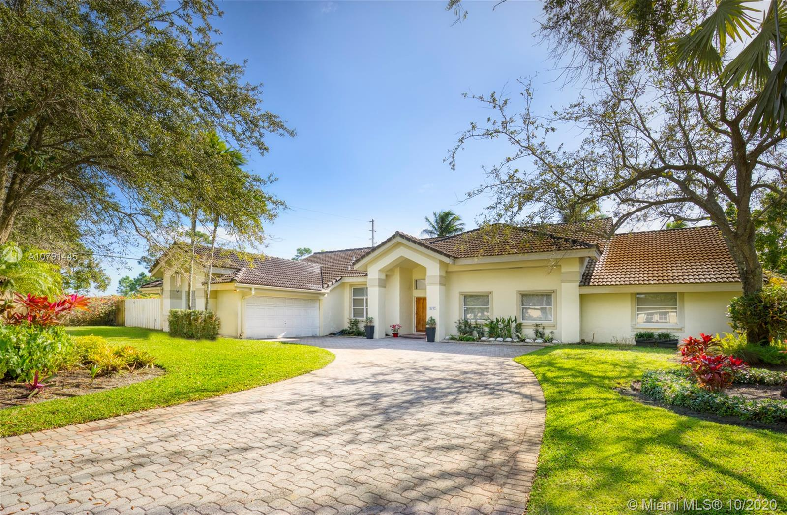9702 SW 111th Ter  For Sale A10791445, FL