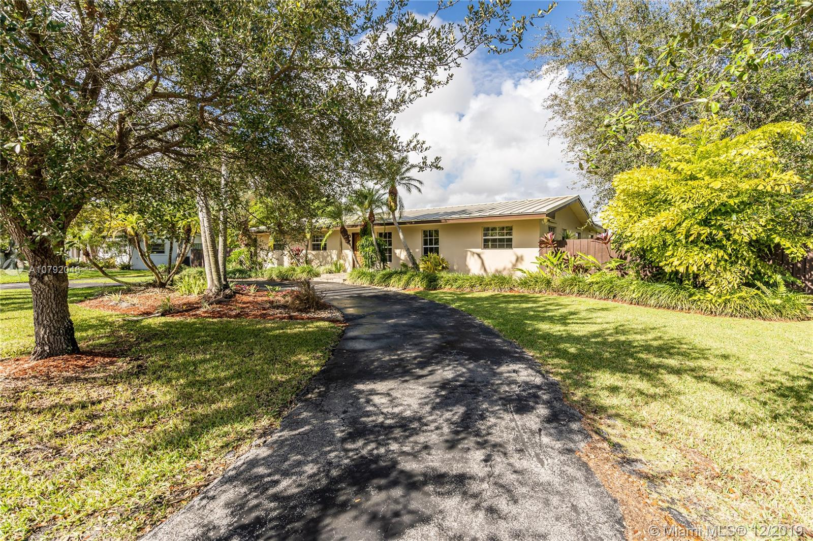 8445 SW 143rd St  For Sale A10792046, FL