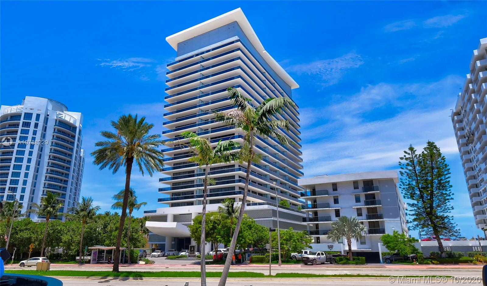 5875  Collins Ave #1107 For Sale A10788229, FL