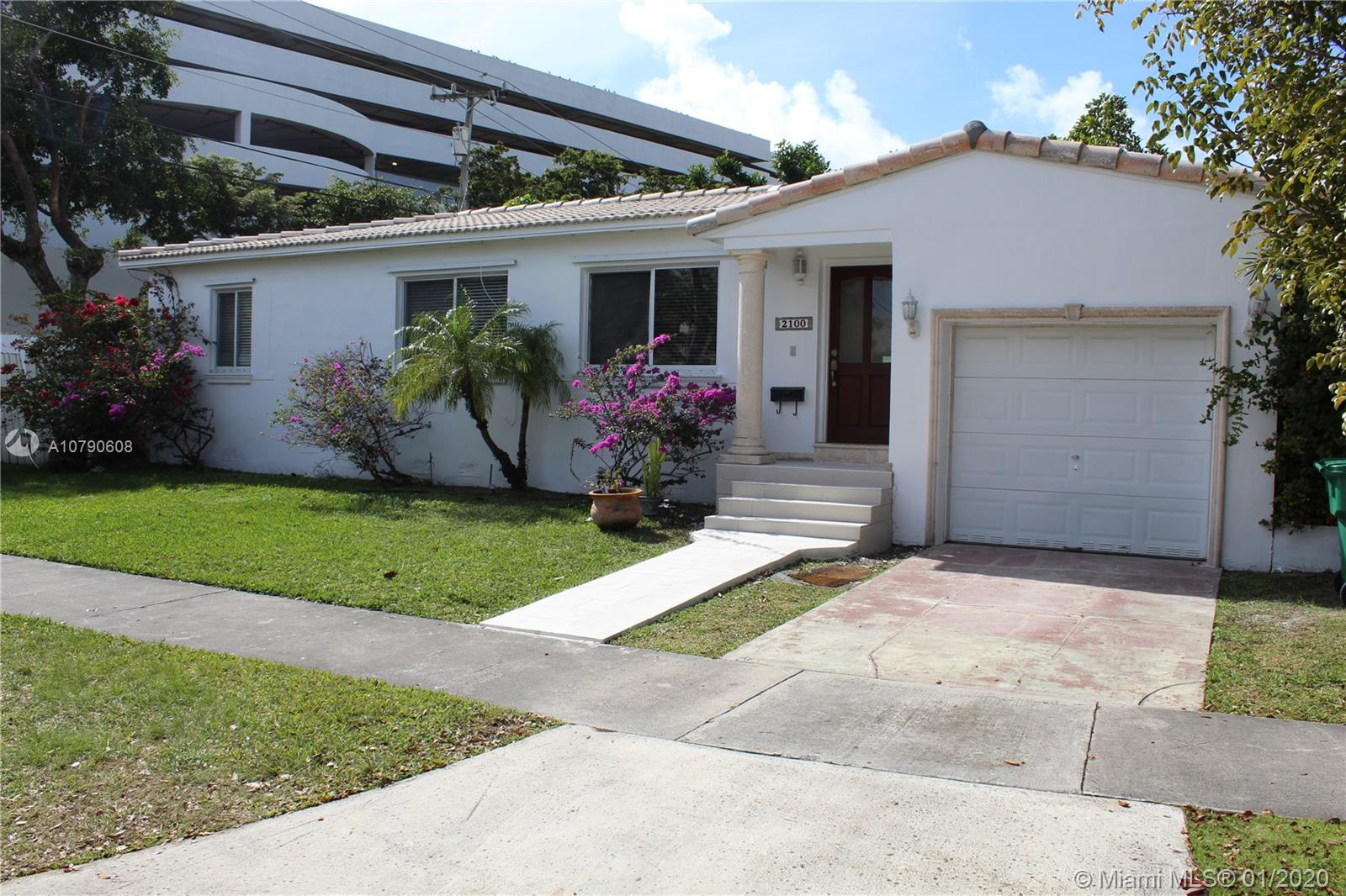 2100 SW 33rd Ave  For Sale A10790608, FL