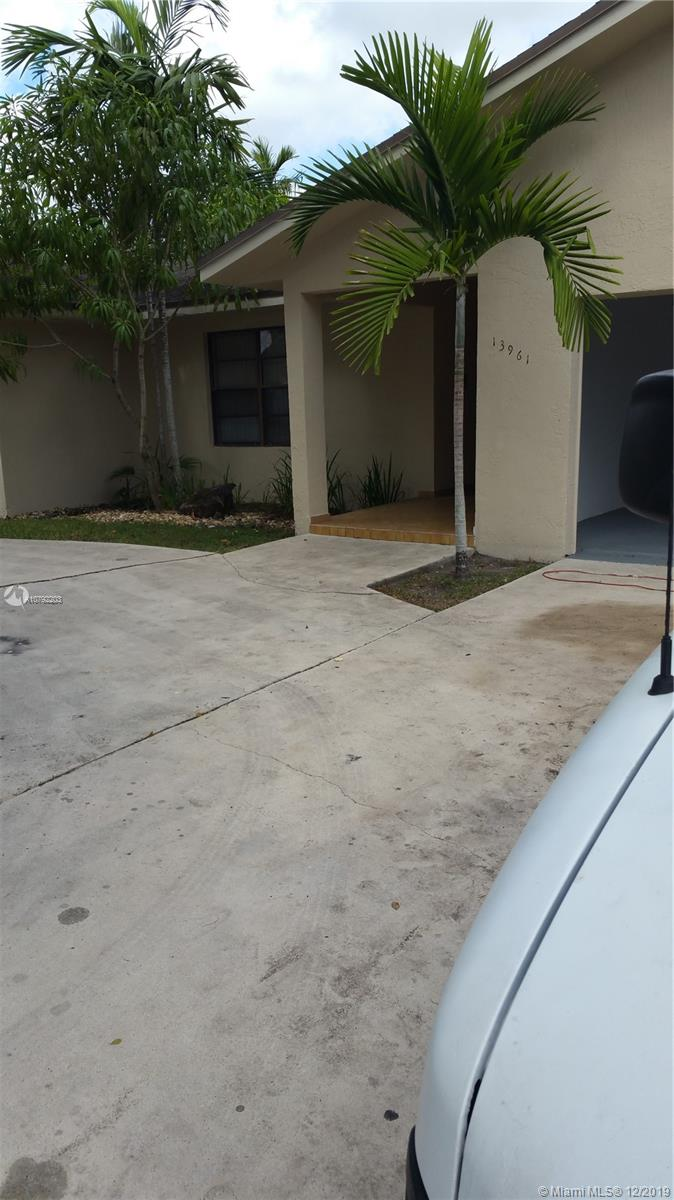 WOW!! BACK ON THE MARKET!! BUYER DEFAULTED!!  CALUSA - SHORES ESTATES! LOWEST PRICE, FOR A QUICK SALE. BELOW APPRAISED VALUE !! DESIRABLE KENDALL AREA! GREAT NEIGHBORHOOD! ONE STORY, LARGE SQ FT, 3 BEDROOMS + 2 FULL BATH + 2 CAR GARAGE. VERY LARGE PORCH, ROOM FOR A NICE SIZE POOL. HARD TO FIND!! NO ASSOCIATION! DON'T MISS THIS GREAT PROPERTY!