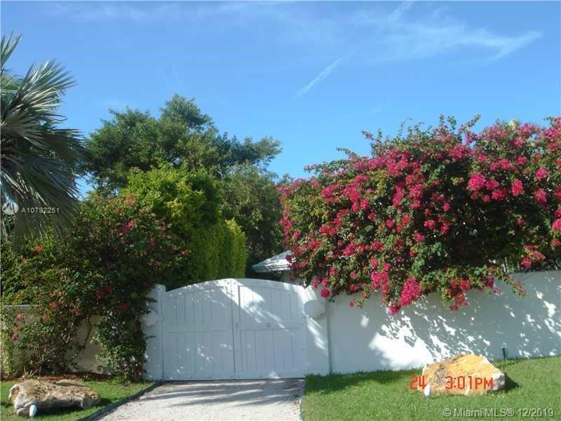 241  Knollwood Dr  For Sale A10792251, FL