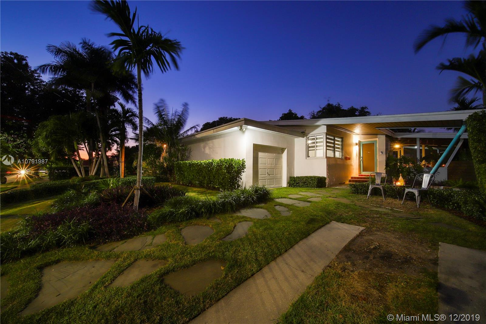 1221 SW 14th St  For Sale A10791987, FL