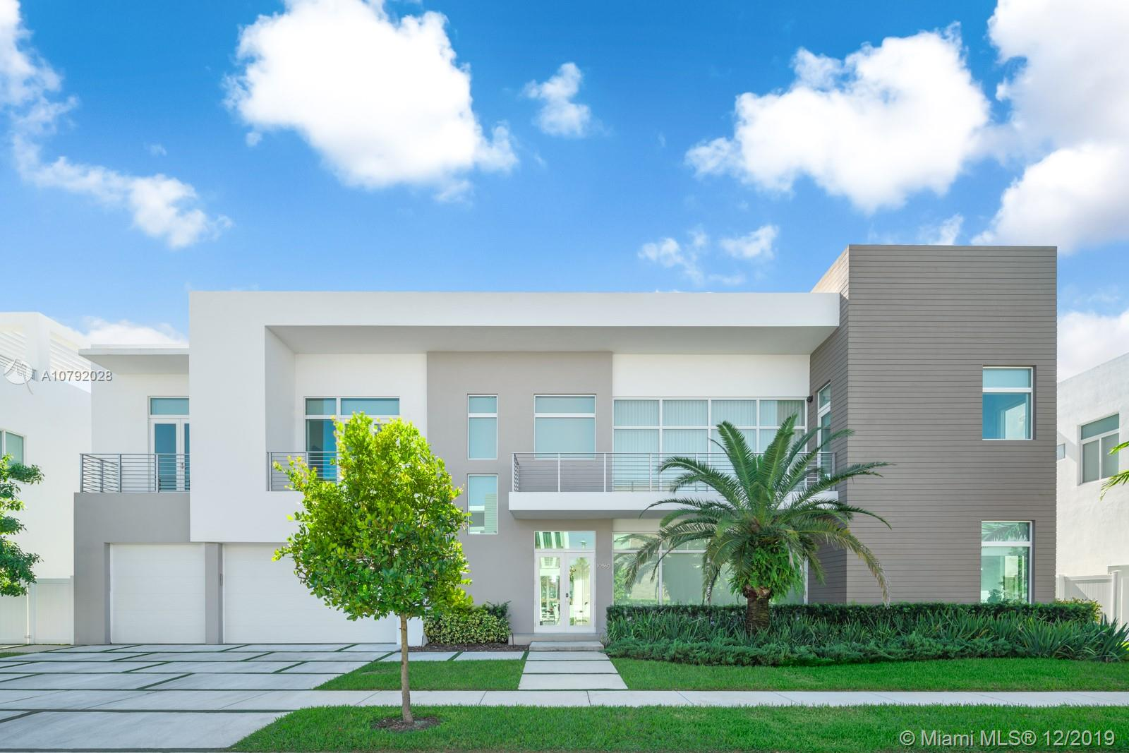 10560 NW 68th Ter  For Sale A10792028, FL