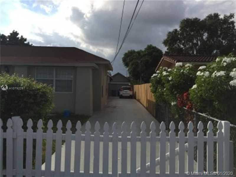 40 SW 34th Ave  For Sale A10792287, FL