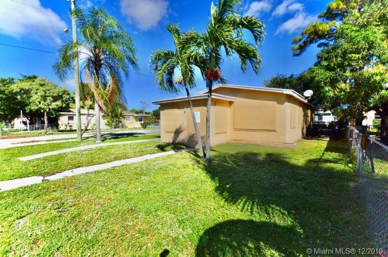 2431 NW 9th St  For Sale A10792472, FL