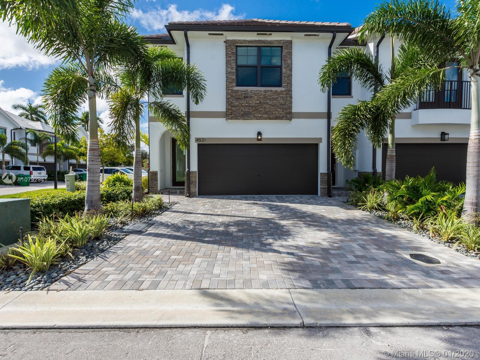 4521 E Aqua Bella Ln  For Sale A10792941, FL