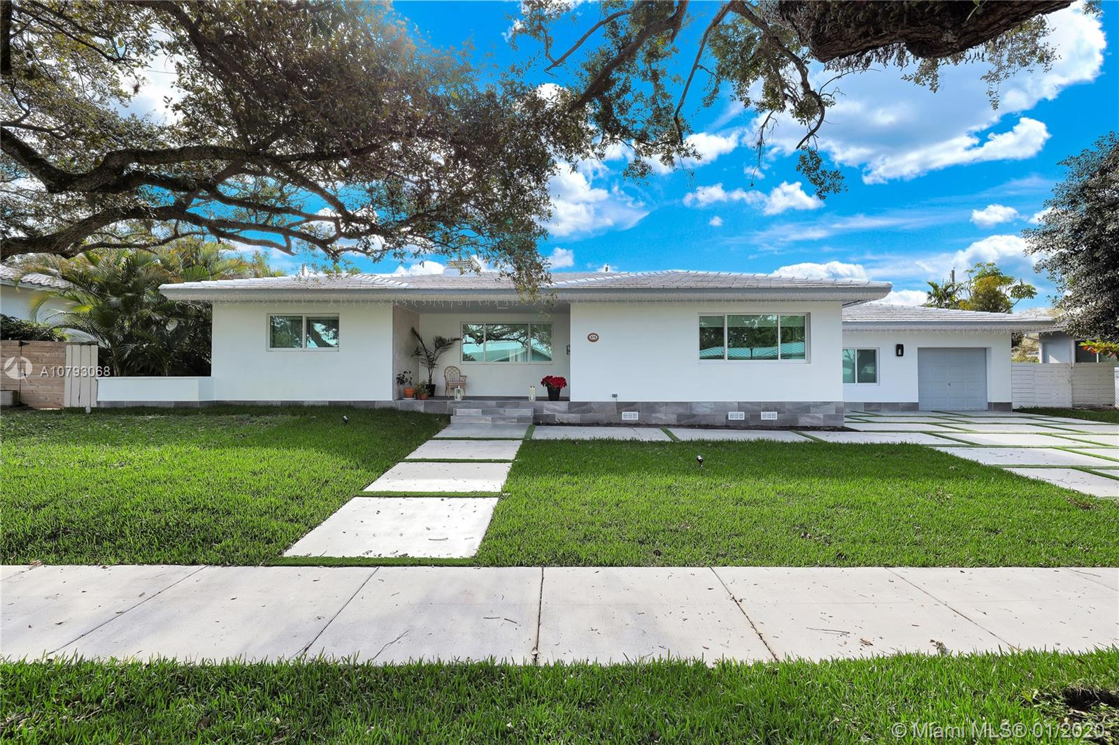 424 NE 103rd St  For Sale A10793068, FL