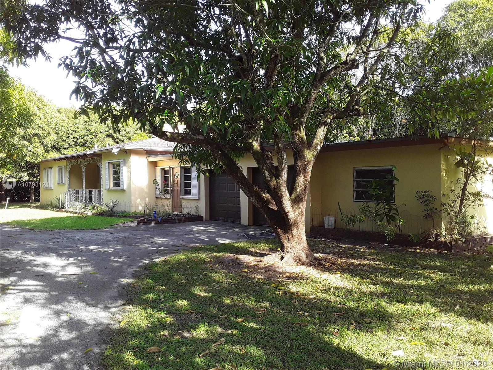 6790 SW 104th St  For Sale A10793124, FL