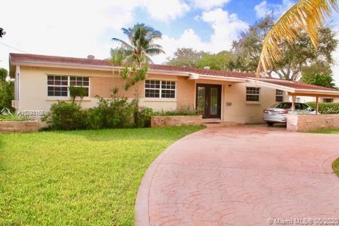 1000 NE 179th St, North Miami Beach, FL 33162