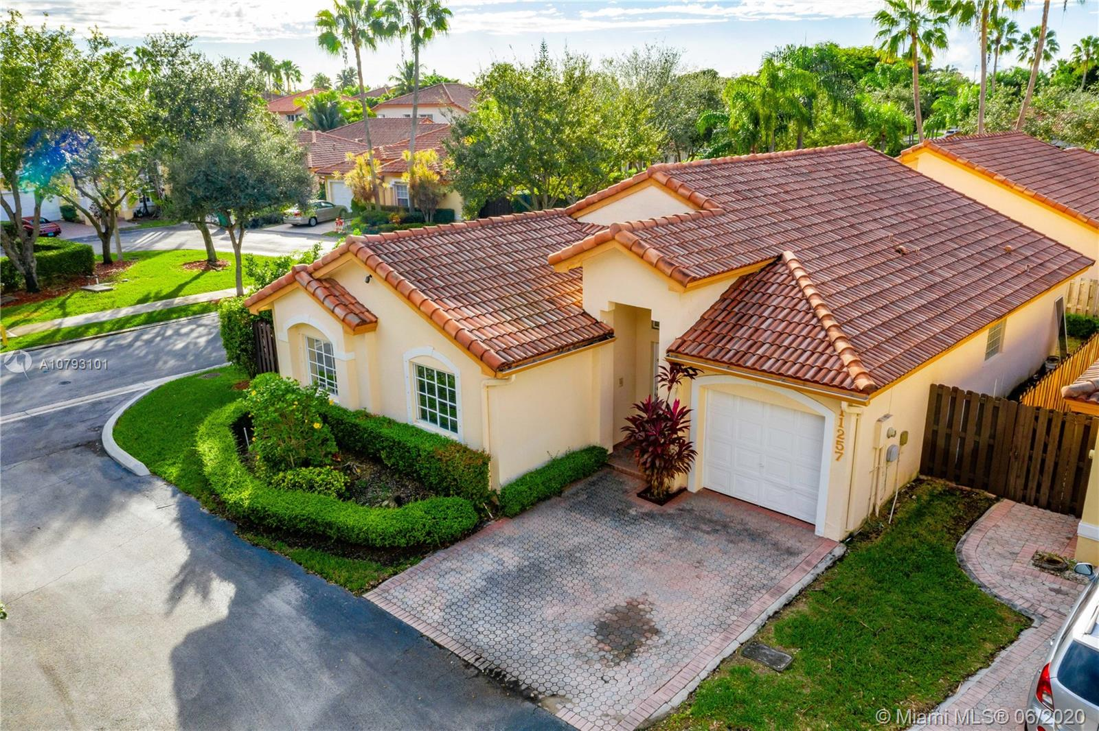 11257 NW 59th Ter  For Sale A10793101, FL
