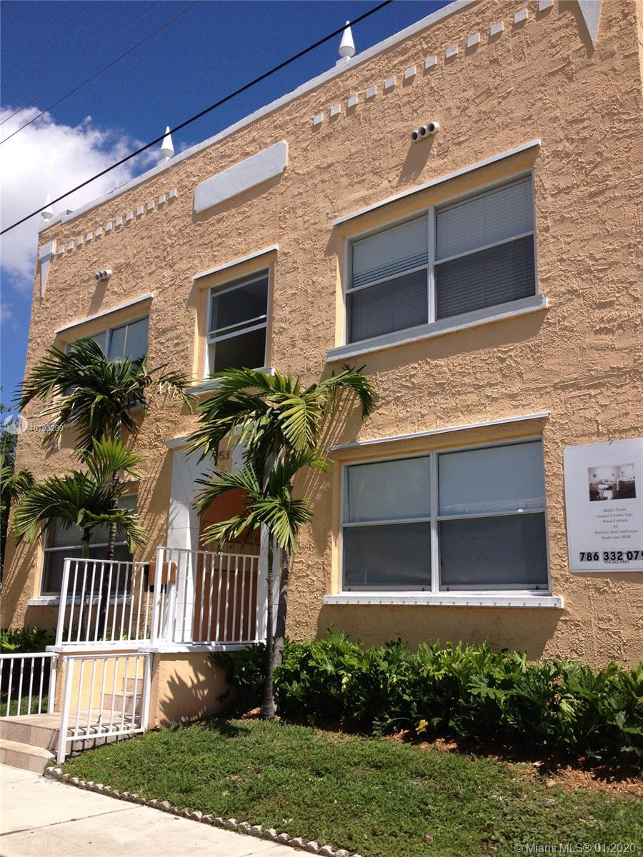 953 SW 10th St #4 For Sale A10793299, FL