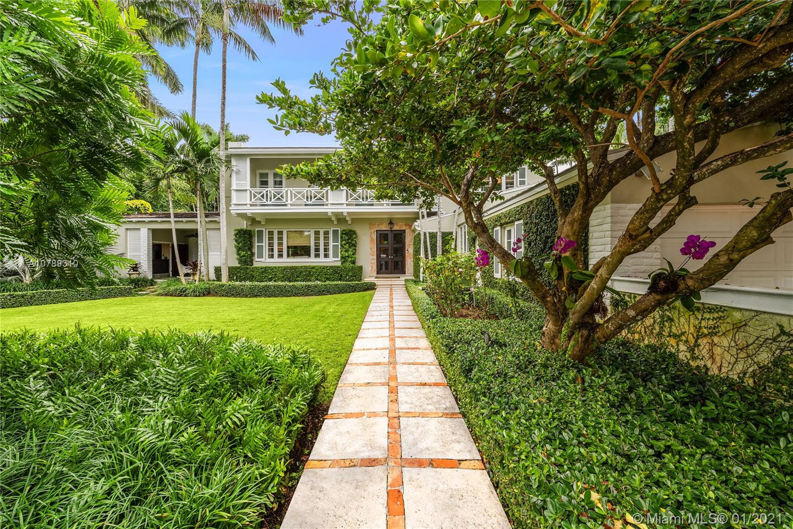 2526  Lake Ave  For Sale A10789310, FL