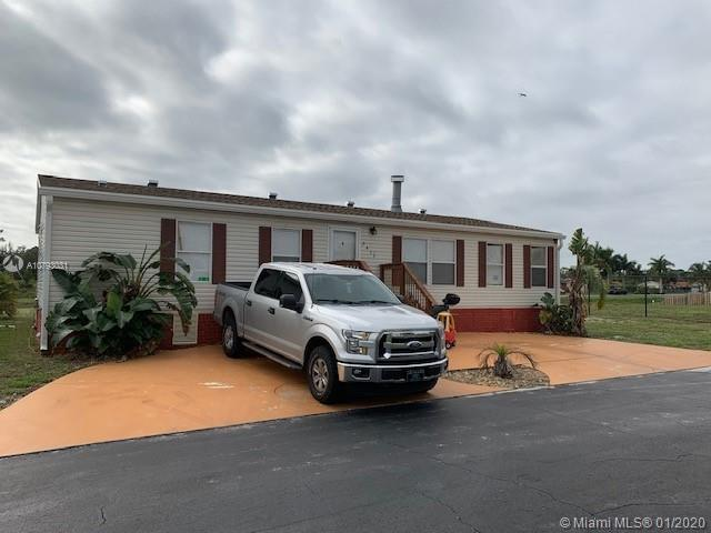 2412 NW 14 AVE, Boynton Beach, FL 33436