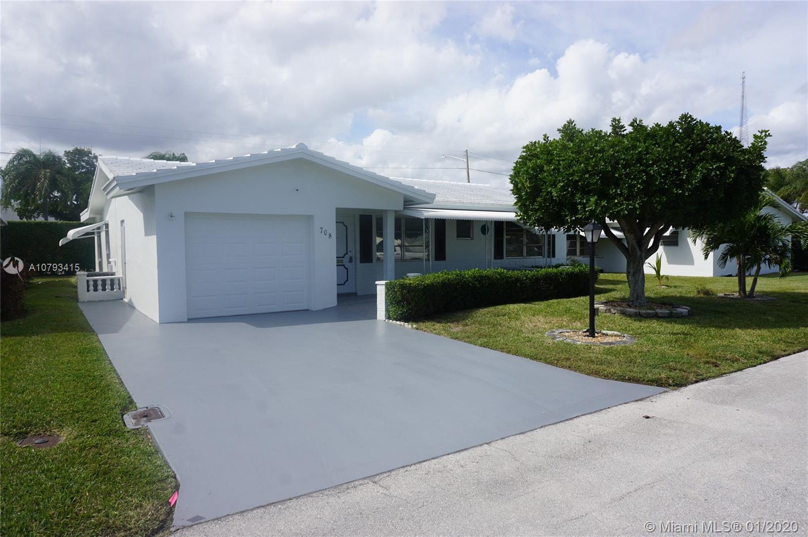 708 SW 24th St, Boynton Beach, FL 33426