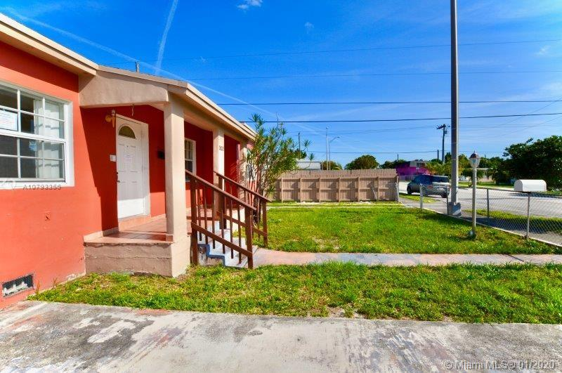 323 W 16th St  For Sale A10793356, FL