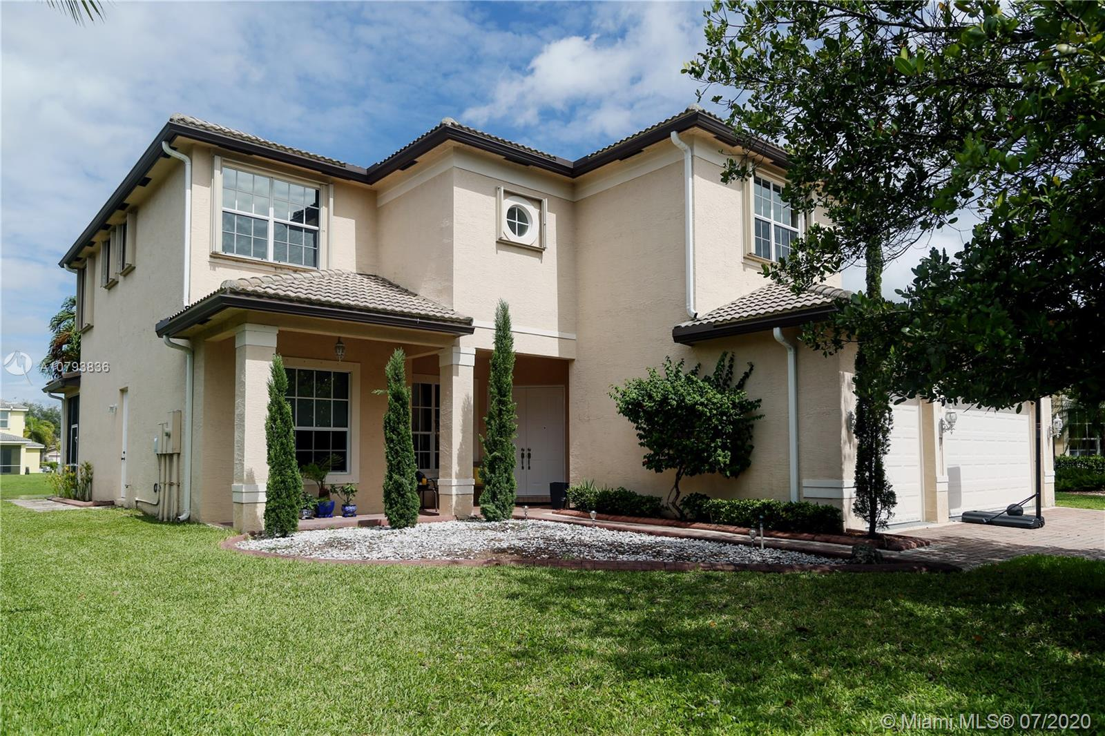 5422 SW 185th Ter  For Sale A10793836, FL